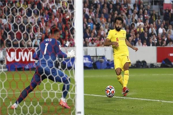 محمد صلاح لحظة احراز الهدف 100 مع ليفربول