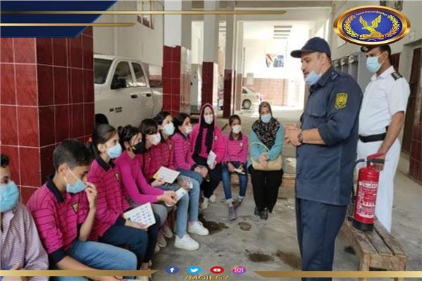 طلاب المنوفية فى زيارة للمواقع الشرطية