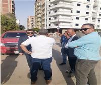 رئيس مدينة بني سويف ينتقل لمعاينة الشكوى ورفع تجمع للقمامة ومخلفات