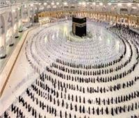شؤون الحرمين توزّع (3000) مظلة بالمسجد الحرام