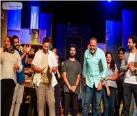 حمادة هلال يحتفل بعيد ميلاد خالد سرحان على مسرح «الفنون المسرحية»