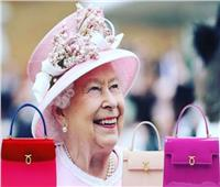ملكة بريطانيا تبحث عن عامل نظافة
