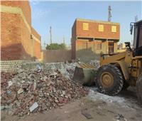 إيقاف 3 حالات بناء مخالف بشوارع مدينة بني سويف