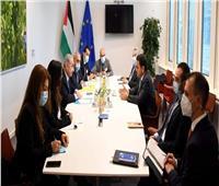 رئيس الوزراء الفلسطيني يطالب بالضغط على إسرائيل لاحترام القانون الدولي
